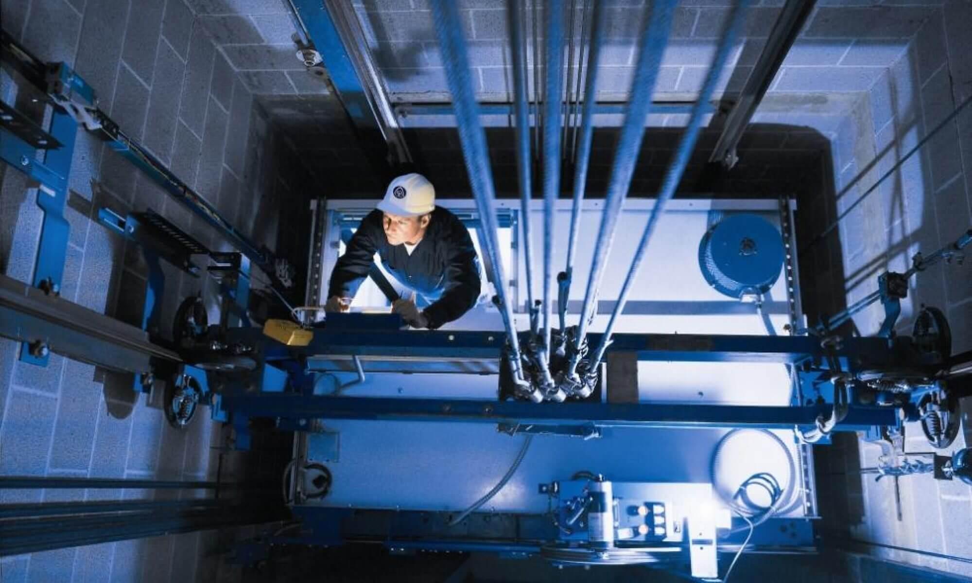 تعمیر آسانسور در کرج؛ سرویس و نگهداری آسانسور