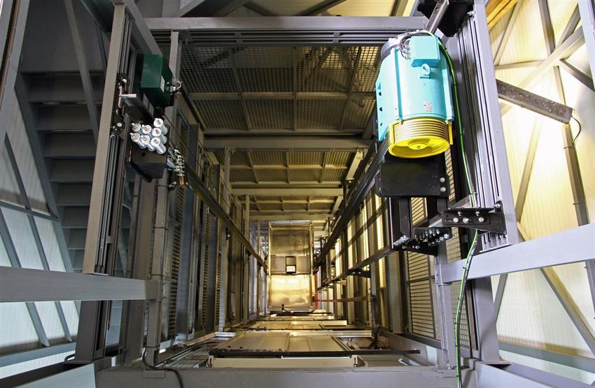 نصب آسانسور در کرج؛ استاندارد های نصب آسانسور کششی