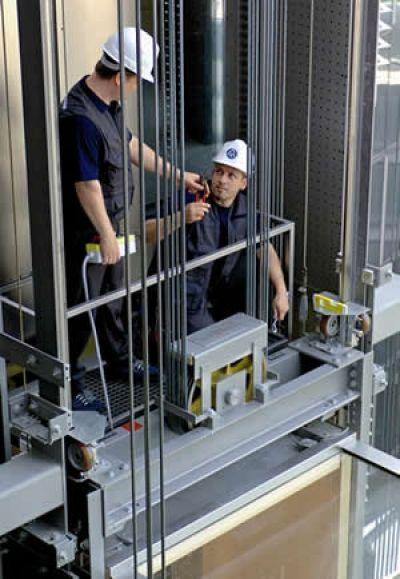 نصب آسانسور در کرج؛ خانه های قدیمی چطور آسانسوردار می شوند؟