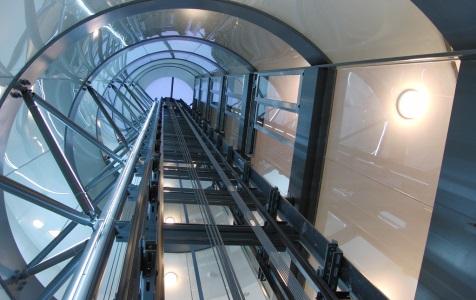 نصب آسانسور در کرج؛ آشنایی با انواع آسانسور کششی