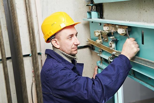 تعمیر آسانسور در کرج؛ تعمیر آسانسور وینچی در کرج