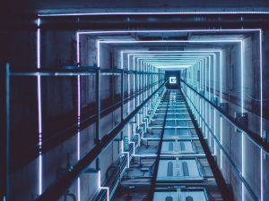نصب و راه اندازی آسانسور، قدم اول آهن کشی و شاقول ریزی