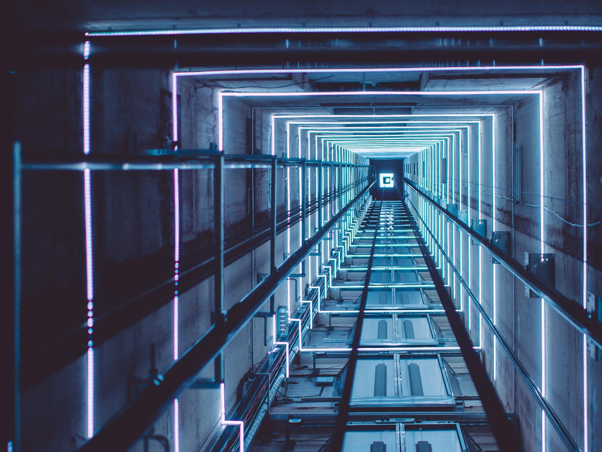 نصب آسانسور در کرج، قدم اول آهن کشی و شاقول ریزی